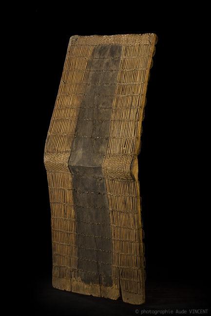 Photographie d'une œuvre de la collection d'Art Premier de l'Institut des musées nationaux du Congo, musée Ngaliema à Kinshasa.