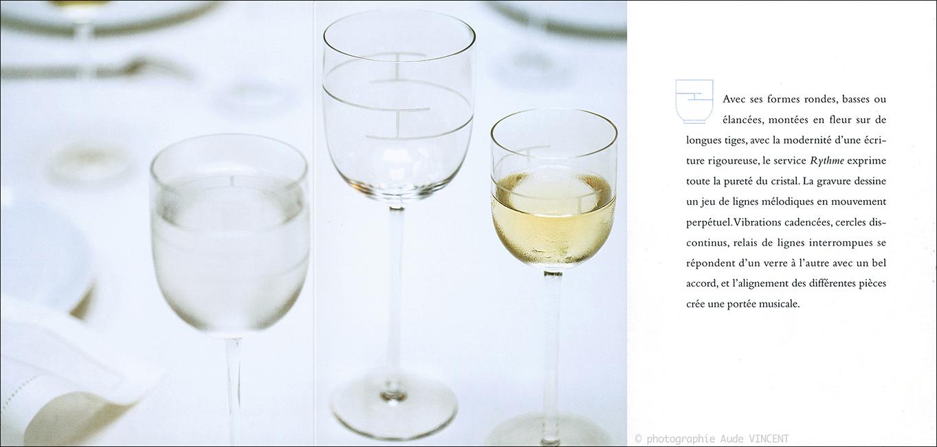 photographie d'art de la table. Nature morte de vaiselle photographiée par Aude VINCENT et mise en scène par la styliste Michèle Chauvel. Collection d'art de la table Hermès.