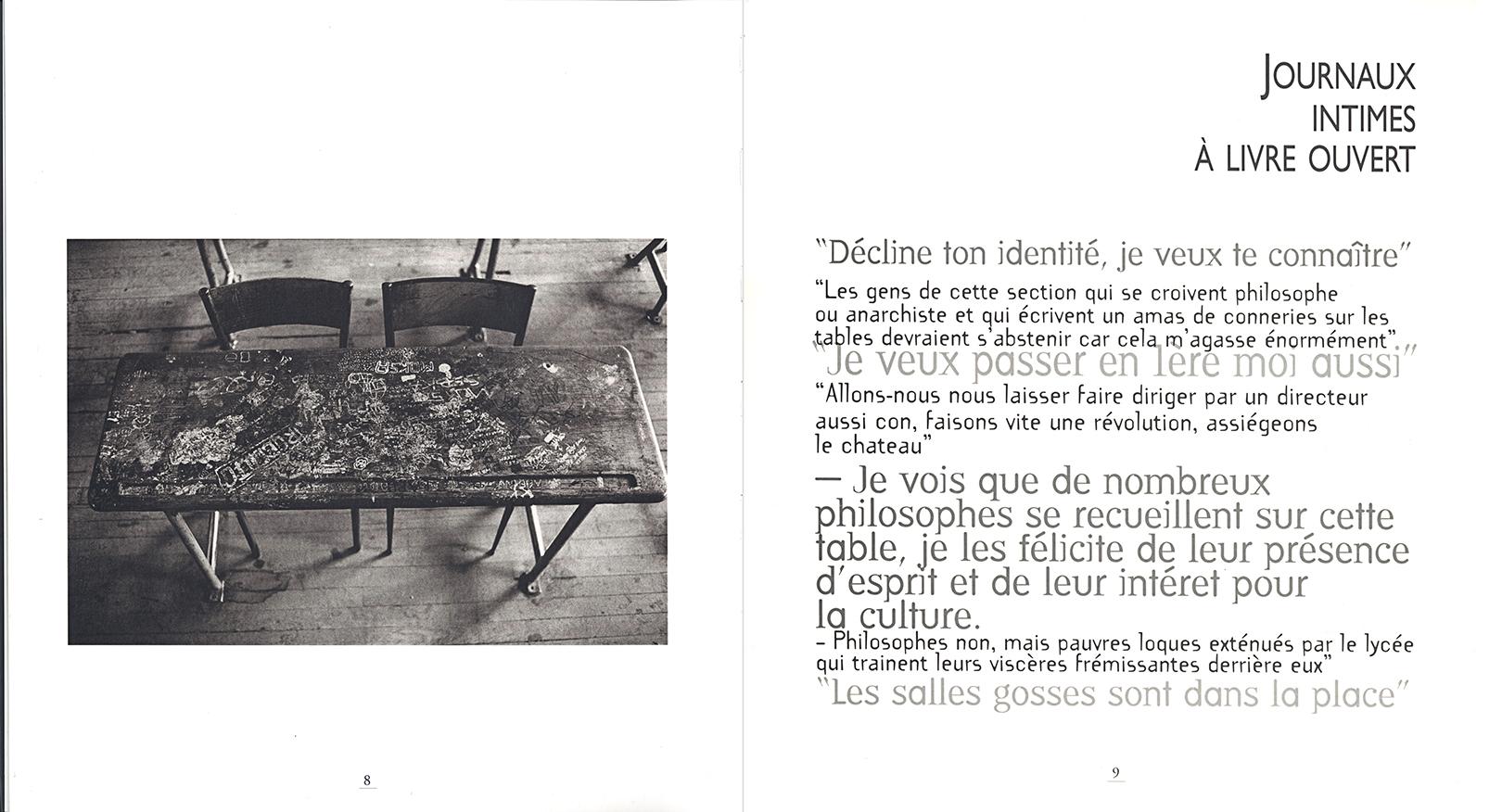 """Pages intérieures du livre : Pupitres de la nation. photographie en noir & blanc extraite de la série """"Les pupîtres de la nation"""" : les graffitis laissés sur les tables d'école par les lycéens."""